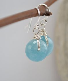 Articoli simili a Aquamarine Earrings, Wire Wrapped Jewelry, Sterling Silver, Blue Earrings, Semi Precious Jewelry, Handmade su Etsy