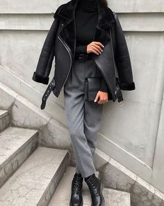 Afternoon look in and chic grey pants 💥~ Yayy or Nay ⁉️ _______________________________________________ . Classy Outfits, Stylish Outfits, Cute Outfits, Stylish Clothes, Looks Style, My Style, Mode Ootd, Mode Simple, Paris Mode