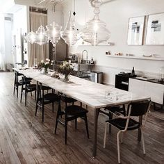 Ideas and Inspiration for residential interior designs. Features home tours from all over the world. Featuring: Black and White home inspiration.