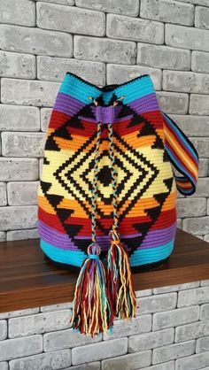 Discover thousands of images about szydelkowe torby worki - wzory, wzory torem szydelkowych, crochet bags patterns, crochet wayuu bags patternsThis Pin was discovered by TC Crochet Handbags, Crochet Purses, Crochet Bags, Tapete Floral, Mochila Crochet, Tapestry Crochet Patterns, Crochet Backpack, Tapestry Bag, Quilted Bag