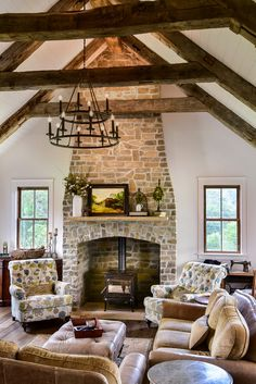 A Fireplace for a Beautiful Living Room - Town & Country Living Vaulted Living Rooms, Cottage Living Rooms, Living Room With Fireplace, Home Living Room, Brick Fireplace, Country Fireplace, Salons Cottage, Country Style Living Room, Interior Design Minimalist