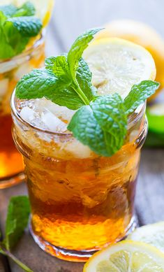 Sweet Tea Mint Julep - the perfect southern cocktail for a Kentucky Derby party.