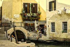 No hurry.... Venice, Italy