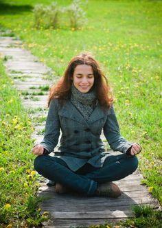 Meditierst Du regelmäßig und wenn ja, welche Vorteile hat Meditation für Dich?  Sri Sri beantwortet viele Fragen rund ums Thema Meditation. Um sie zu lesen, klicke auf folgenden Link: http://www.artofliving.org/de-de/meditation-fragen-und-antwortenteil-1