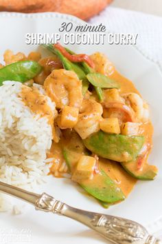 30 Minute Shrimp Coconut Curry, a quick and easy curry using shrimp, coconut milk and veggies! Easy Rice Recipes, Shrimp Recipes, Savoury Recipes, Coconut Milk Curry, Gluten Free Chicken, Fish And Seafood, Appetizers For Party, Popular Recipes, Main Dishes