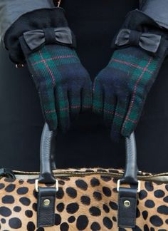 Dream On, thepreppyblonde: these gloves are perfection!