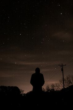 I went out to last night with some friends and caught the Leonid Meteor Shower. Night Sky Wallpaper, Sad Wallpaper, Wallpaper Space, Scenery Wallpaper, Alone Photography, Portrait Photography Poses, Dark Photography, Night Sky Photos, Night Aesthetic