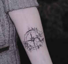 Trendy Ideas For Tattoo Compass Small Tatoo Music Tattoos, Rose Tattoos, Flower Tattoos, New Tattoos, Girl Tattoos, Heart Flower Tattoo, Anchor Compass Tattoo, Small Compass Tattoo, Compass Tattoo Design