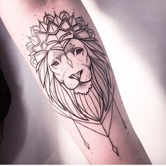 Melina Wendlandt - German Tattoo artist #Lion #Geometric #MelinaWendlandt #Tattoo