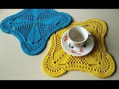 #edineiasinatra #sousplatquadrado SOUSPLAT EM CROCHÊ QUADRADO - YouTube Crochet Potholders, Crochet Squares, Crochet Doilies, Diy Crochet, Crochet Bikini, Crochet Top, Crochet Hats, Crochet Crocodile Stitch, Crochet Keychain