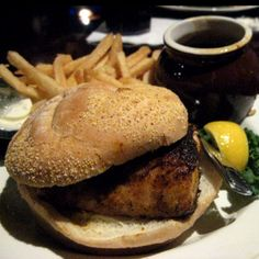 Blackened mahi mahi sandwich<3