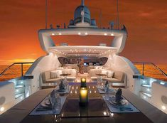 How about this luxury yacht for your honeymoon! Never thought of renting a yacht for my honeymoon. Super Yachts, Luxury Travel, Luxury Cars, Foto Zoom, Yachting Club, Bateau Yacht, Private Yacht, Yacht Interior, Luxury Interior