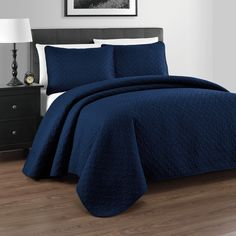 Zaria Quilted Coverlet Set - Oversized Quilt Sets with Elegant Stitched Pattern - Wrinkle Resistant- 1 Bedspread & 2 Shams - Full/Queen, Navy Blue Navy Bedding, Quilt Bedding, Kids Bedding Sets, Comforter Sets, King Size Pillows, Blue Quilts, Queen Quilt, Quilt Sets, Decorating Rooms