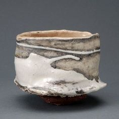 Hyun Ho Kim - Chawan #pottery #ceramics Korean Pottery, Japanese Pottery, Pottery Vase, Ceramic Pottery, Thrown Pottery, Slab Pottery, Ceramic Bowls, Stoneware, Japanese Tea Cups