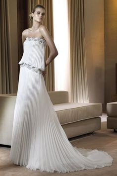 Pronovias Strapless Wedding Dresses -This dress is available at discounted price now! Aline Wedding Gowns, Most Beautiful Wedding Dresses, White Wedding Dresses, Wedding Dress Styles, Bridal Dresses, Bridesmaid Dresses, Beautiful Bride, Prom Dresses, Pronovias Dresses