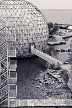 Staircases and plankwalks of Cinesphere a triodetic-domed movie theater sphere designed by Eberhard Zeidler 1971 Space Architecture, Futuristic Architecture, Ontario Place, Toronto, Geodesic Dome, Retro Futuristic, Pictures Of The Week, Picture Design, Stairways