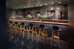 Tori Tori restaurant by Rojkind Arquitectos & Esrawe Studio, Mexico City store design Restaurant Counter, Cafe Restaurant, Cafe Bar, Sushi Bar Design, Japanese Restaurant Design, Japanese Design, Tori Tori, Bar Interior, Interior Design