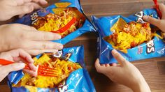 This Buffalo Chicken Dorito Pie Is The Ultimate Walking Taco Breakfast And Brunch, Dinners For Kids, Kids Meals, Snacks Kids, Graham Crackers, Camping Snacks, Camping Recipes, Camping Cooking, Grill Recipes