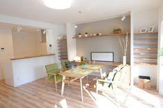 アクセントクロス マンション Decor, Furniture, House, Bed, Home, Interior, Corner Desk, Home Decor, Room