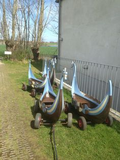 Your children can ride in one of these viking ships from the Ladby museum to the Ship Burrial Mound and back. You will have to pull. #visitfyn