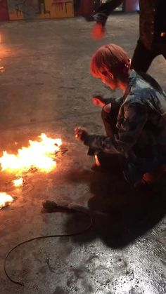 V and Jungkook playing wih FIRE on MV set.they could've caught on fire playing with it why weren't these kids supervised Bts Taehyung, Bts Bangtan Boy, Bts Jimin, Yoongi Bts, Taekook, K Pop, Bts Memes Hilarious, Bts Funny Videos, Bts Lockscreen