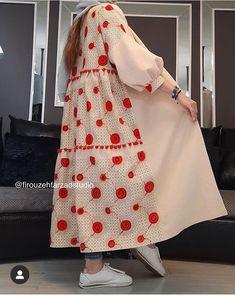 Iranian Women Fashion, Arab Fashion, Muslim Fashion, Korean Fashion Dress, Fashion Dresses, Mode Kimono, Style Oriental, Simple Pakistani Dresses, Modele Hijab