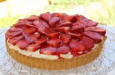 Thermomix recipe: Strawberry White Choc Mousse Pie · Tenina.com