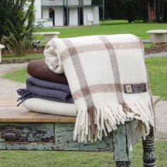 Beautiful organic blankets made of Llama wool. You will only find these 100% hand made treasures at gauchoz.com