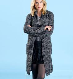 Gratis patroon op maandag - Breipatroon vest. Ontvang ieder maandag het gratis patroon en een leuke aanbieding van het garen. Knitting Patterns Free, Hand Knitting, Duster Coat, Fur Coat, Crochet Wool, Hand Knitted Sweaters, Women's Sweaters, Sweater Design, Fall Winter Outfits