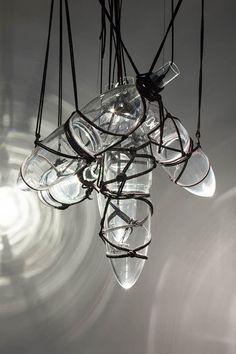 katerina-handlova-tied-up-romance-lighting-japanese-bondage-alexander-mcqueen-designboom-05.jpg (600×901)