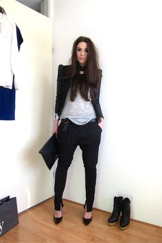 tailored harem pants, pointed heels, structured blazer, white tee... the perfect outfit. recreating immediately.