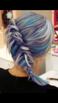 Blue/grey hair