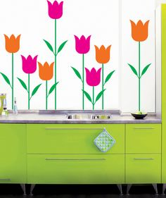 Tulipanes - Vinilo adhesivo matte. $69.900 COP. Cómpralo aquí--> https://www.dekosas.com/productos/decoracion-hogar-vinilos-decorativos-myvinilo-tulipanes-detalle