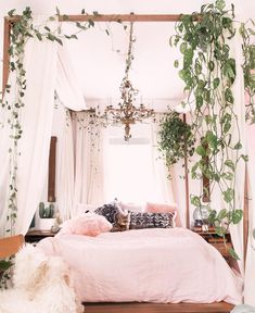 Small Space Decor Tips From A 650 Square Foot Bohemian Apartment - Bedroom decor apartment sleep Small-Space Decor Tips From This Gorgeous Boho Apartment Bohemian Apartment, Bohemian Bedroom Decor, Bohemian Bedding, Whimsical Bedroom, Bohemian Curtains, Artistic Bedroom, Bohemian Decorating, Bohemian Room, Bohemian Living