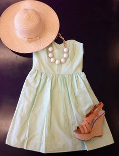 Love the green with the brown wedge! Minus the hat and this outfit is perfect