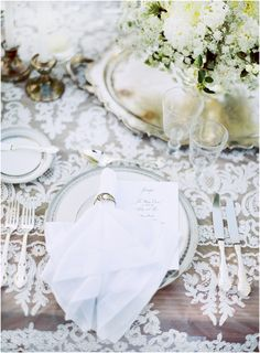 place setting // lace overlay // outdoor // garden