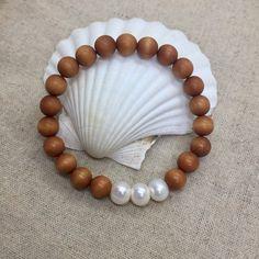 bracelet de bois de santal, beachcomber pearl bracelet, bracelet de  guérison de belles perles 179d0b93703d
