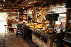 Inspiring Workshop Garage for Minimalist House. Have an unused garage at home? You can take advantage of the space to be a place of business or workshop garage. With right decoration, you can . Man Cave Bar, Man Cave Shed, Man Shed, Man Cave And Workshop, Home Workshop, Garage Workshop, Workshop Ideas, Workshop Studio, Workshop Organization