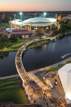 Urban Design Commendation – Riverbank Bridge by Tonkin Zulaikha Greer, Taylor Cullity Lethlan and Aurecon. Photo by John Gollings. Bridges Architecture, Architecture Awards, Futuristic Architecture, Landscape Design Plans, Landscape Architecture Design, Urban Landscape, Bridge Design, Australian Architecture, Pedestrian Bridge