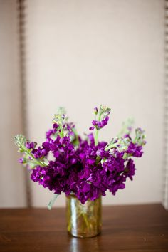 Purple stocks in gold glass Purple Flowers / Katelyn James Photography / JM Flora Design Purple Wedding Flowers, Pretty Flowers, Wedding Colors, Flower Centerpieces, Wedding Centerpieces, Centrepieces, Purple Table Decorations, Mauve, Stock Flower