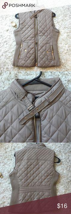 Zenana Vest Very cool best with gold details The Zenana Jackets & Coats Vests