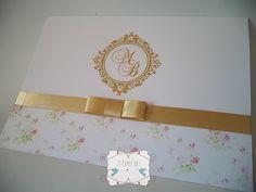 Convite de casamento floral rosa, confeccionado em papel Off Set 240g; <br>Acabamento em laço dourado, channel simples; <br>Cores e arte podem ser alterados; <br> <br>O convite não acompanha os individuais ou tags de lista de presente. <br>Os convites vão embalados de 10 em 10 unidades. <br> <br>Convite individual: 0,30 centavos a unidade <br>Tag de listas de presentes: 0,25 centavos a unidade <br>Embalagem individual: 0,10 centavos a unidade <br>Tag com nome dos convidados impressa: 0,15…