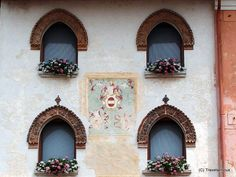 The emblem of Cividale del Friuli shown at a building near the centre of the city. At this place I was especially impressed by the lovely design of the windows. Germany And Italy, Coat Of Arms, Boats, Floral Wreath, Sea, Pictures, Italia, Viajes, Photos