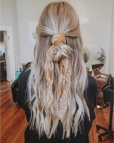 27 Scarf Hairstyles – Pretty Ways To Style Your Hair With A Scarf - Hair and Beauty eye makeup Ideas To Try - Nail Art Design Ideas Hair Inspo, Hair Inspiration, Natural Hair Styles, Short Hair Styles, Hair Styles Casual, Updo Styles, Hair Down Styles, Curly Hair Styles Easy, Natural Updo