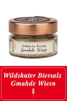 """Das Wildshuter Biersalz ist eine raffinierte Zutat zum Würzen von Speisen. Es vereint die edlen Inhaltsstoffe der Wildshuter """"Gmahde Wiesn"""" mit dem wertvollen Quellsalz aus Portugal. Mit ihm gibst du deinen Speisen das letzte Finish und bringst es aromatisch """"auf höchste Stufe"""". #prost #mahlzeit  Wildshut   Stieglgut   Salz   Kochen   Würzen   Stiegl   Bier   Beer   Salzburg   Nachhaltigkeit   Gewürze   Österreich   Salze   Geschenksidee   Geschenk   Essen Image Film, Salzburg, Baking Ingredients, Cookie Dough, Portugal, Shops, Steaks, Food, Environment"""