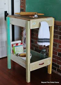Old Drawer Work Station, http://bec4-beyondthepicketfence.blogspot.com/2016/02/old-drawer-work-station.html