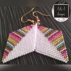 Miyuki delica brick stitch earringYou can find Brick stitch and more on our website. Seed Bead Jewelry, Bead Jewellery, Seed Bead Earrings, Beaded Jewelry, Seed Beads, Beaded Earrings Patterns, Beading Patterns, Beading Tutorials, Bracelet Patterns