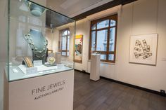 @Sothebys fine jewels auction #geneva #DietlinDisplayCase on NiMh batteries, more than 15 hours non stop>>>more>>>http://dietlin.ch/page.php?id=3160&gr=687&nv=5