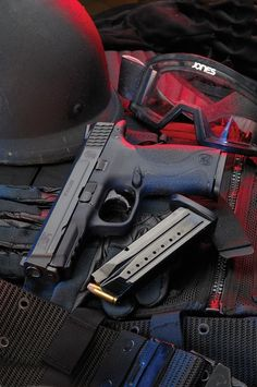 Smith & Wesson today announced that it has been awarded a firearms contract from the San Antonio Police Department for duty side arms from the company's M Pistol Series. M&p 9mm, 9mm Pistol, Revolvers, Pistol Pete, Rifles, Ar Rifle, Pocket Pistol, Tactical Gear, Tactical Pistol