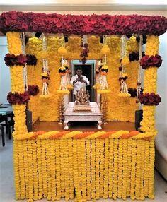 Door Flower Decoration, Flower Decoration For Ganpati, Eco Friendly Ganpati Decoration, Ganpati Decoration Design, Background Decoration, Diy Diwali Decorations, Wedding Stage Decorations, Backdrop Decorations, Festival Decorations